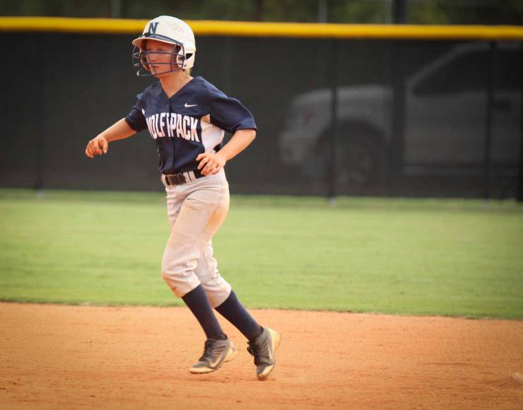 NPHS Softball Ana Lindsey base running